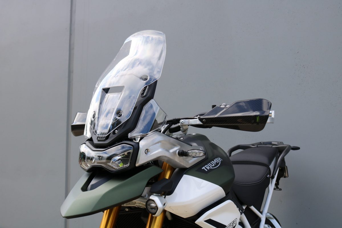 BARKBUSTERS Handguard Hardware Kit (Code: BHG-082) fitted to TRIUMPH Tiger 900 RALLY PRO ('20 on) with CARBON Guards (Code: BCF-003) sold separately